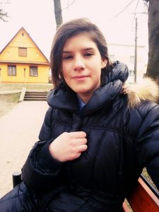 Durere fără margini, de Paște! Adolescenta moartă în accidentul de la Hănțești, plânsă de zeci de rude, prieteni și colegi